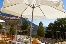 Vanaf het terras bij de appartementen in de Pyreneeën