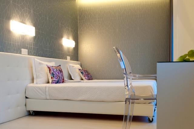 Kamer 201, met twin beds en balkon op het zuiden
