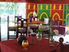 De Jaima: bar, restaurant & bibliotheek