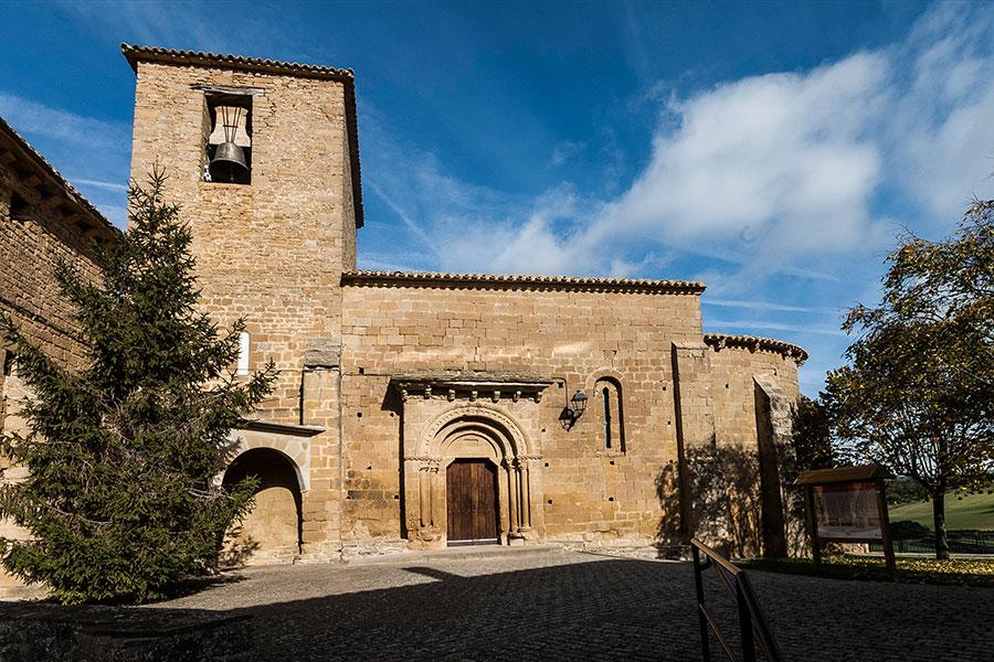 Het kerkje in het dorp